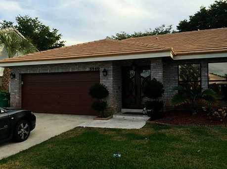 5940 NW 52 St - Photo 1