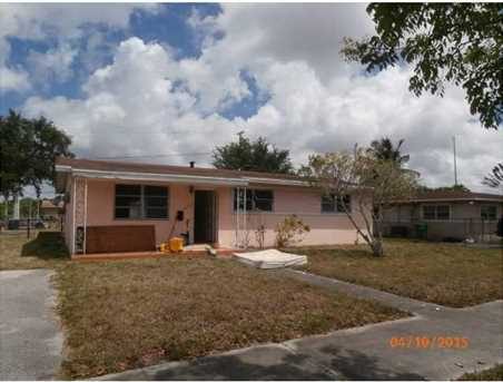 1305 NW 182 St - Photo 1