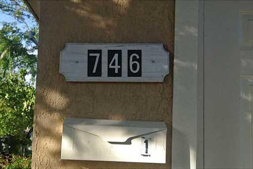 746 SW 4th St - Photo 1