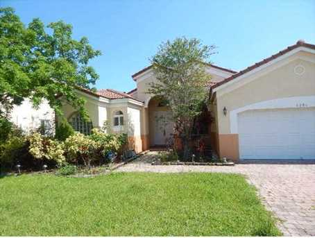 8290  Phoenician Ct - Photo 1