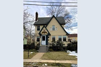 346 Demarest Avenue, Oradell, NJ 07649